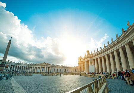 ciudad del vaticano: La plaza de San Pedro del Vaticano, en la Ciudad del Vaticano Foto de archivo