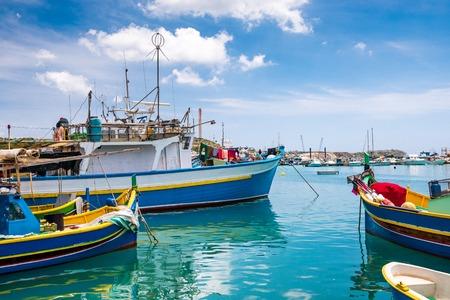 barca da pesca: Pescherecci in porto di Marsaxlokk. Malta