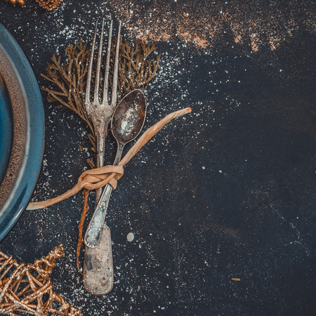christmas table: Christmas Table layout. Beautifully decorated with antique tools and plate