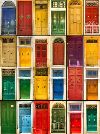 manejar: collage de fotos de puertas de entrada a las casas de colores
