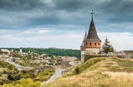 firmeza: medieval castle fortress in Kamenetz-Podolsk. Ukraine Foto de archivo