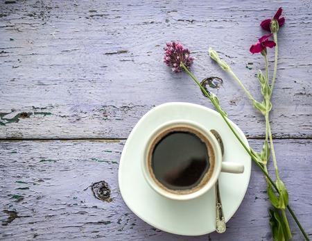 daisies and clover, black coffee, copyspace, topview Stok Fotoğraf