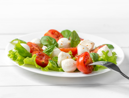 delicious vegeterian salad with spinach and feta
