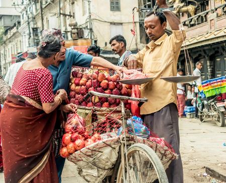 カトマンズの果物市場