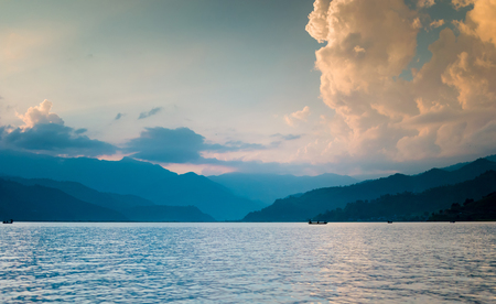 Lake in the Pokhara at sunset. Beautiful view Zdjęcie Seryjne