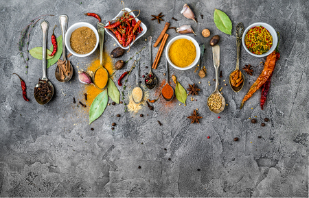 spices on a gray concrete background Zdjęcie Seryjne - 98374524