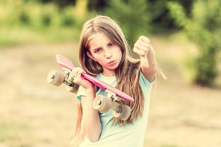 Teenage girl dissatisfied Foto de archivo - 111294863