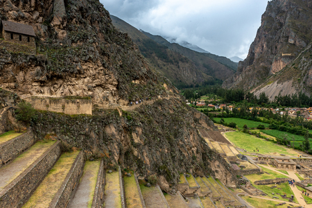 Terraces of Incan building in Ollantaytambo, Peru 스톡 콘텐츠 - 124175074