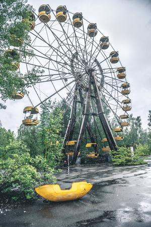 obsolete ferris wheel in Pripyat park 版權商用圖片
