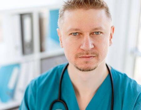 Attractive doctor in uniform Reklamní fotografie