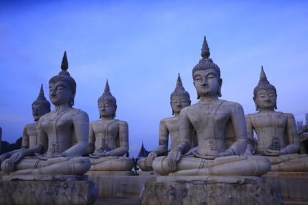 Sort seated Buddha