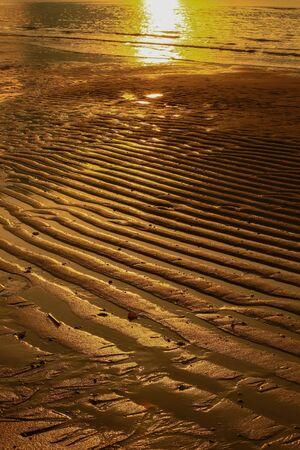 sur: Natural wavy sand pattern