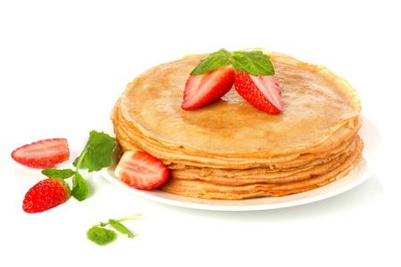 Stapel von Pfannkuchen. Crepes mit mit Butter und Erdbeer- Standard-Bild - 18591306