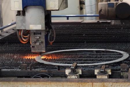 corte laser: metal sheet had been cut by laser cutting machine Foto de archivo