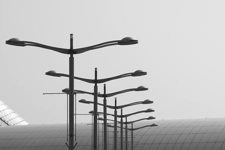 黒と白の街路灯の概要 写真素材