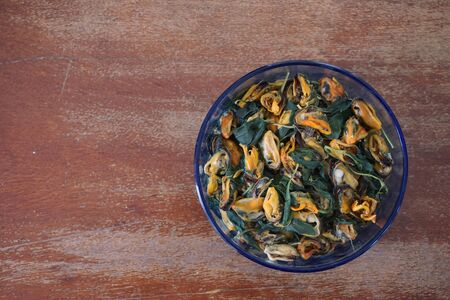 thai basil: group of mussels baked with Thai basil