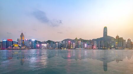 Hong Kong skyline on the evening seen from Kowloon, Hong Kong, China. Imagens