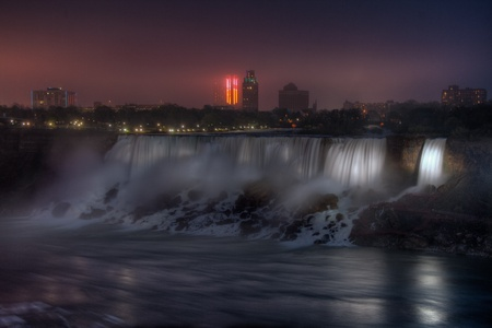 Night view of the Niagara falls, photo