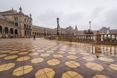 Plaza De Espana, Seville on a rainy day 스톡 콘텐츠