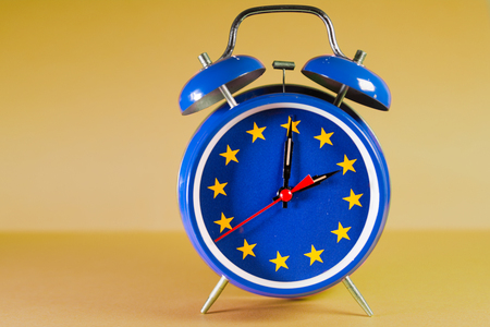 Retro alarm clock with the colors of the EU flag for an hour