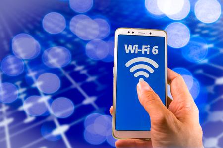 Smartphone mit neuem WLAN 6 auf dem Bildschirm. Standard-Bild