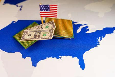 CPU and dollar bills over an USA map, symbolizing the Digital US dollar 版權商用圖片