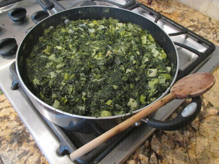 Cooked spinach and leaks
