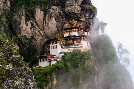 Bhutan: Taktsang Palphug Monastery, The Tigers Nest, Bhutan Stock Photo