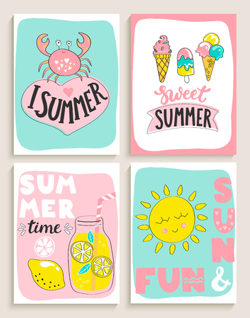 Set of bright summer cards with cocktail,sun and fun,crab, ice cream and handdrawn lettering and other fun elements. Perfect for summertime posters,banners,gift,print. Vector illustration. Stock Illustratie