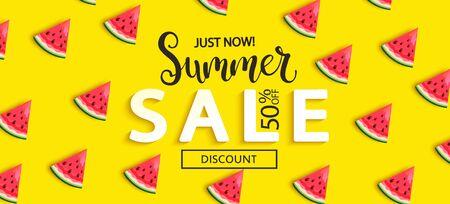 Summer Sale Wassermelonenbanner auf gelbem Hintergrund, heißes Ende oder Zwischensaison 50 Prozent Rabattplakat. Einladung zum Einkaufen, Sonderangebotskarte, Vorlagendesign für Werbeaktionen. Vektor-Illustration.