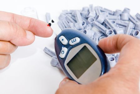 diabetic doing a sugar test