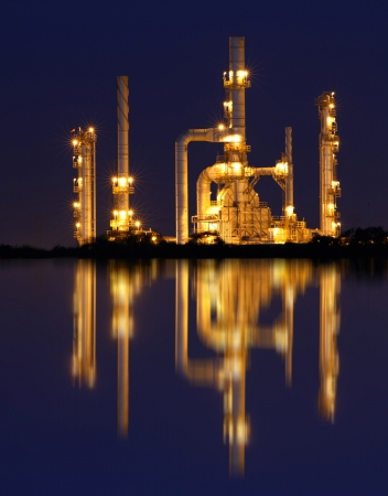 Reflection of gold petrochemical industry on sunset Stock Photo - 17006010