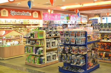 many windows: Toy shop in Changi Airport, Singapore