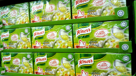Knorr chicken stock cube enhances the natural flavour of fresh ingredients