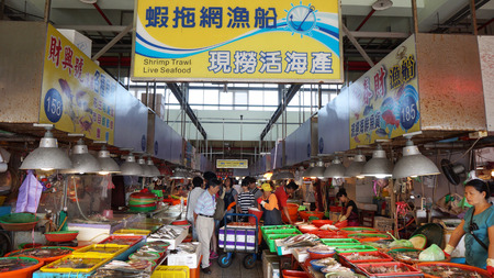 freshest: DONGGANG, TAIWAN - NOV 20: Shoppers visit the famous seafood market in Donggang, Taiwan on November 25, 2015. Dong Gang Seafood Market is near Kaohsiung City and offers the freshest seafood in Taiwan