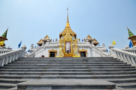 buddha: Wat Traimit (The Temple of the Golden Buddha) in Bangkok, Thailand Stock Photo