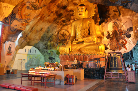 tong: Perak Tong cave temple is located just north of Ipoh and is one of the oldest temples and famous for the murals Stock Photo