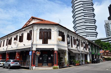 arab glamour: SINGAPORE - 05 JUN, 2015: On the streets Arab quarter (Kampong Glam). Arab Quarter is the oldest historic shopping district of Singapore, is popular for visiting tourists. Editorial