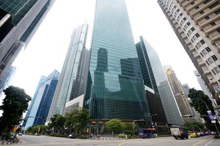 ラッフルズ プレイス シンガポールの金融の中心地での高層ビル 報道画像