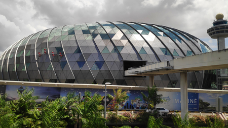 SINGAPOUR- 14 FÉVRIER 2019 : Vue de l'aéroport de Jewel Changi à Singapour. Il s'agit d'un développement à usage mixte à l'aéroport de Changi à Singapour Éditoriale