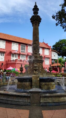 MELAKA, MALAYSIA - 25 JUN, 2019: Queen Victorias Fountain at Dutch Square in Malacca Malaysia 에디토리얼