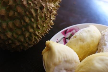 ドリアンは果物の王様としてみなされているし、その高い栄養価を示しています。