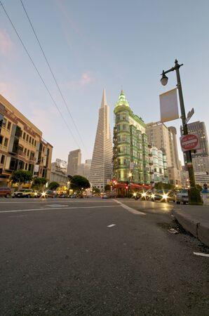 chinatown: Transamerica Pyramid in Downtown San Francisco.