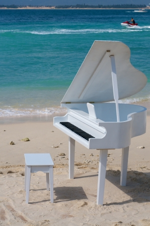 Piano on the beach Stock Photo - 14641320