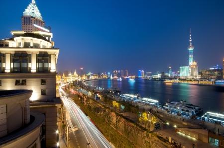 옥상 중국 밤 상하이의 스카이 라인