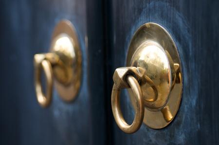 Golden Chinese Door Handle at Xintiandi Shanghai Stock fotó - 14640715