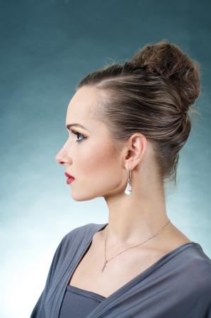 perfil de mujer rostro: Modelo Hermoso Retrato perfil