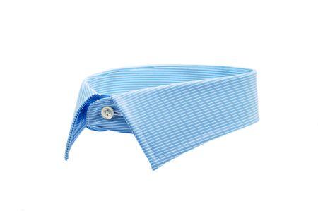 bonhomme blanc: col de chemise bleu isol� sur fond blanc