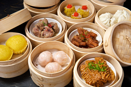chinese bamboo: Chinese Yumcha Dimsum Set in bamboo container