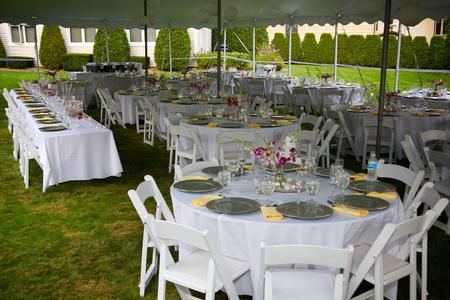 디럭스 화이트 웨딩 연회 테이블 텐트